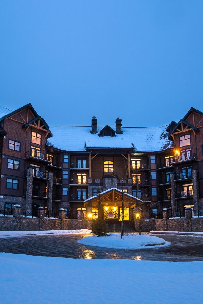 Glacier-Mountain-Lodge-Exterior-Winter