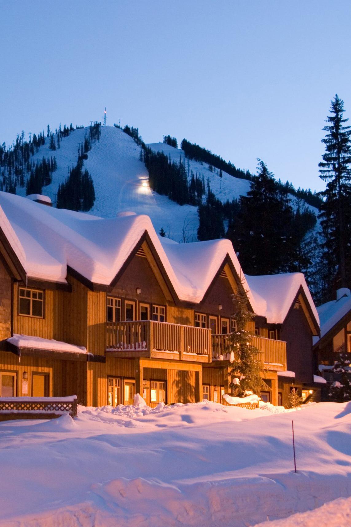 Red-Mountain-Resort-Lodging-exterior-Jonview